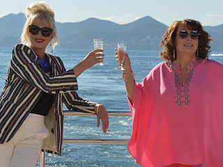 FROM EW: Edina and Patsy Grab Some Refreshing Cocktails in First Absolutely Fabulous Teaser