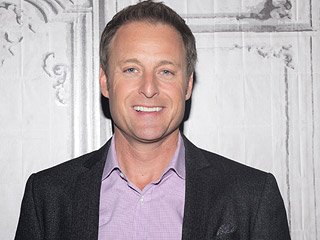 I Had Chris Harrison Analyze My Tinder Profile, and Here Are the 8 Tips He Gave Me