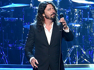 VIDEO: Dave Grohl Brings Down the House at Lionel Richie Tribute with Special Performance of 'You Are'