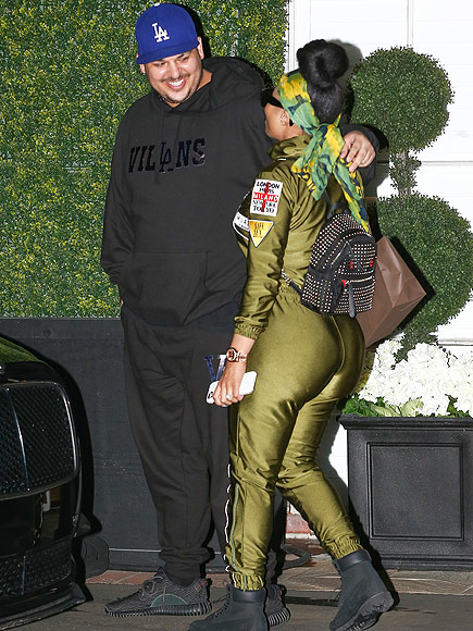Rob Kardashian and Blac Chyna Pack on the PDA – as Khloé Reveals She 'Misses' Her Brother| Couples, Keeping Up with the Kardashians, People Scoop, Rob Kardashian