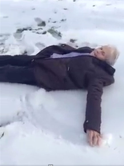 85-Year-Old Grinning Grandma Makes Snow Angels for Her Birthday – and Melts Hearts| People Scoop, Real People Stories, The Daily Smile