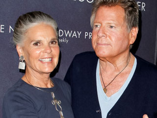 Love Story Stars Ali MacGraw and Ryan O'Neal Grow Even Closer in Their Stage Performance