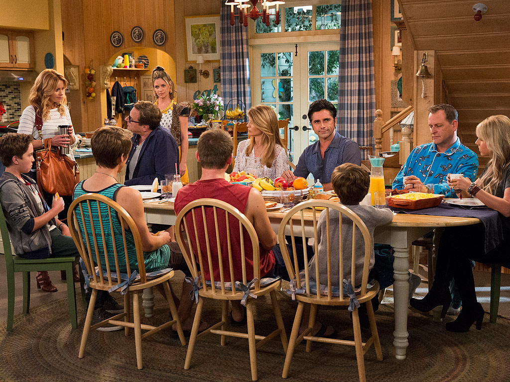 fuller house fans react to netflix series. Black Bedroom Furniture Sets. Home Design Ideas
