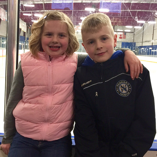 Mom-of-Six Donates Liver to the Dad Who Sat Next to Her at Her Son's Hockey Game: 'If You Can Help, Then You Help!'| Medical Conditions, Real People Stories