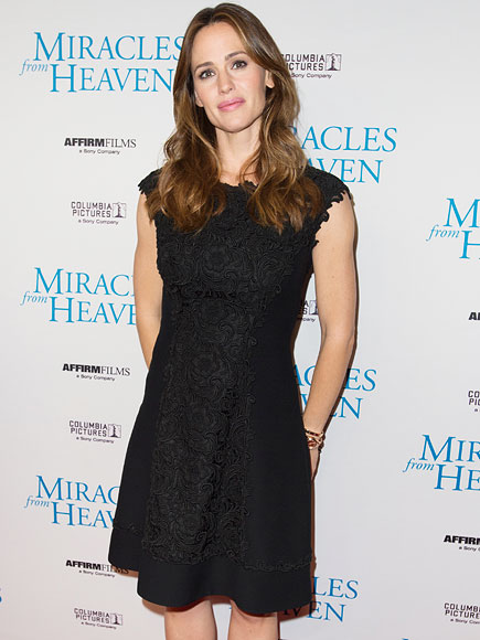 Jennifer Garner Shot Miracles from Heaven Amid Affleck Split: Costars Speak Out