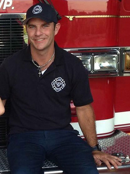 Firefighter Pays Needy Family's $1,023 Electric Bill
