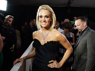 Try the Soccer Mom Workout by Carrie Underwood's Trainer to Support Her Anti-Bullying Stance