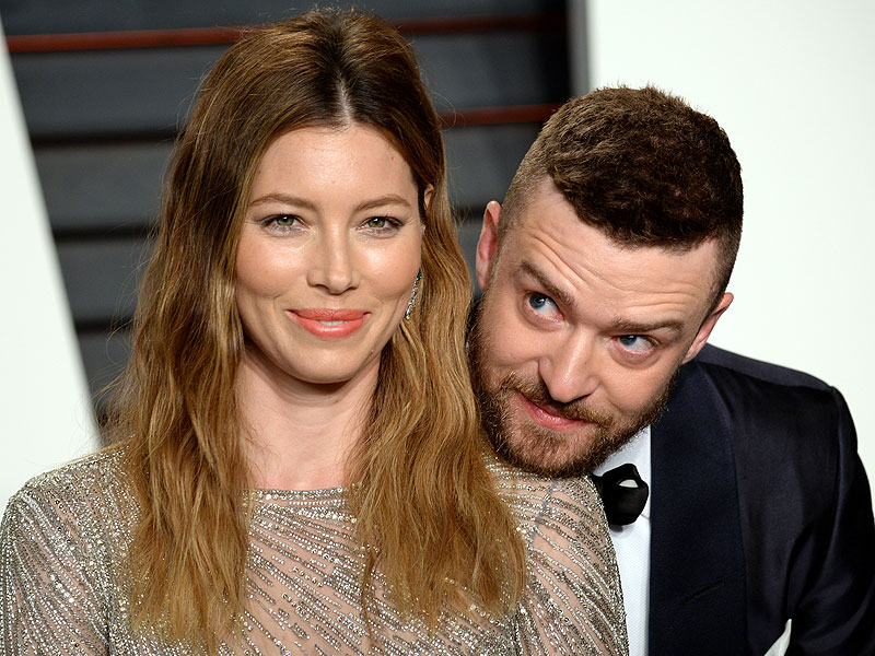Jessica Biel and Justin Timberlake Adorably Ham It Up at the Vanity Fair Oscars Party| Couples, Academy Awards, Oscars 2016, Jessica Biel, Justin Timberlake