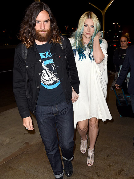 Kesha Shows Off New Blue Tips and Shares Love for Taylor Swift After Tearful Dr. Luke Court Appearance| Crime & Courts, Music News, Kesha