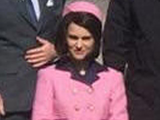 See Natalie Portman Transform Into Jacqueline Kennedy Wearing Famous Pink Chanel Outfit on Set of Jackie