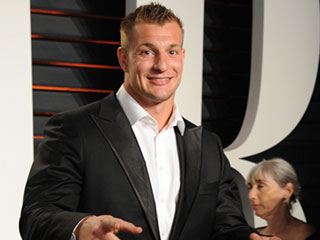 Patriots Star Rob Gronkowski to Host New Nickelodeon Show Crashletes About Hilarious, Viral Sports Clips
