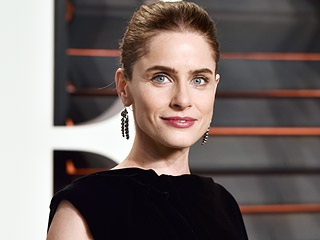 Amanda Peet Loves Being 44 and Fabulous – and Dressing Inappropriately on TV