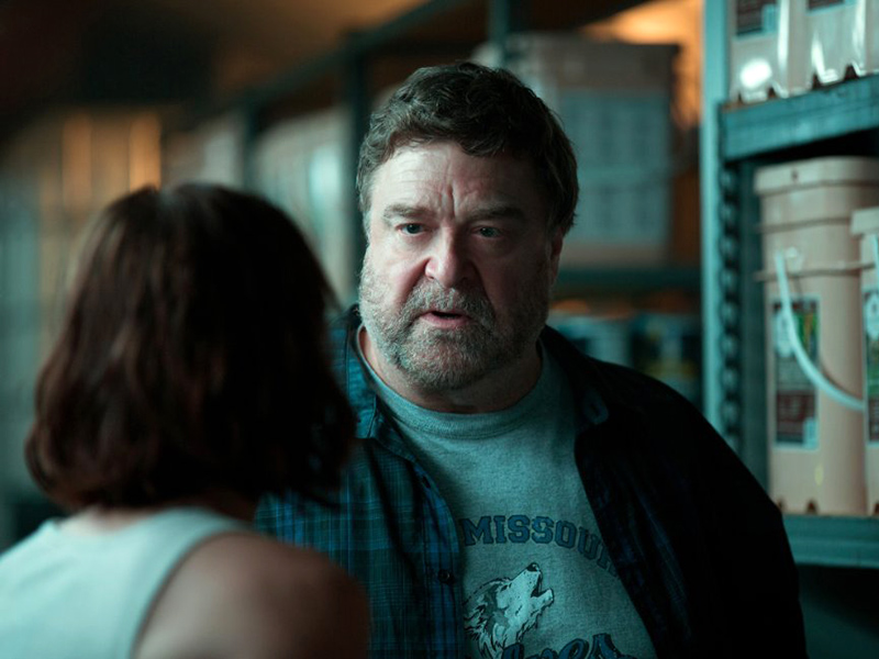 10 Cloverfield Lane: PEOPLE Reviews Thriller Starring John Goodman