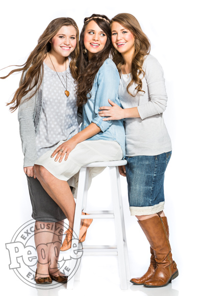The Duggar Girls Reveal They Want to Marry 'Someone Like' Their Dad| TLC, 19 Kids and Counting, Reality TV, TV News, Anna Duggar, Ben Seewald, Derick Dillard, Israel David Dillard, Jessa Duggar, Jill Duggar, Joshua Duggar, Spurgeon Elliot Seewald, The Duggars