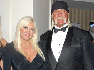Linda Hogan Tearfully Reads Letter She Wrote to Ex Hulk Hogan Amid Sex Tape Trial: 'You Single-Handly Ruined Our 25-Year Marriage'
