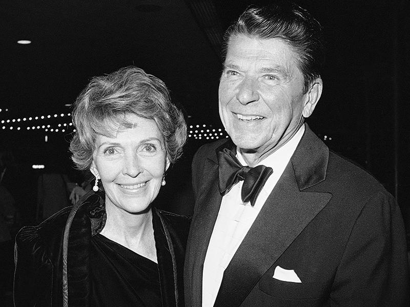 Ronald Reagans Kriegsrevue - Deine Zukunft - Dein Sterne