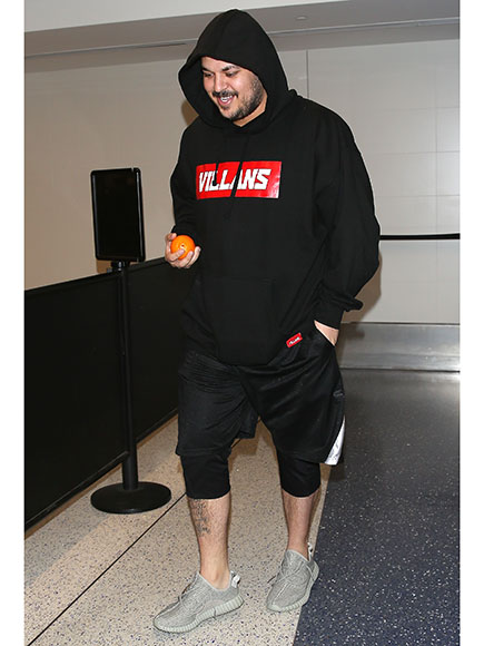 Rob Kardashian Shows Off Weight Loss Results, Tries on New Clothes