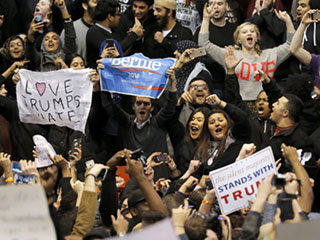 Donald Trump Cancels Chicago Rally as Violent Scuffles Break out Between Protestors and Supporters