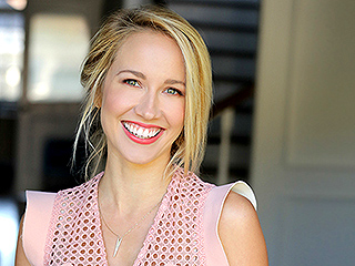All the Details on Anna Camp's Pitch Perfect Wedding with Skylar Astin: 'It's Not Going to Be Small!'