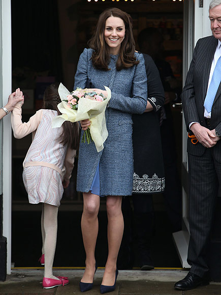 Princess Kate Hits the Second-Hand Store – and Tries on $22 Hat!| The British Royals, The Royals, Kate Middleton