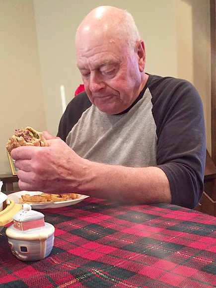 Sad Grandpa! Granddaughter's Photo of Her Disappointed Grandfather Breaks the Internet's Heart