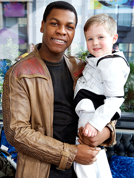 John Boyega Visits Sick Children at London Hospital with Star Wars Toys: Photos