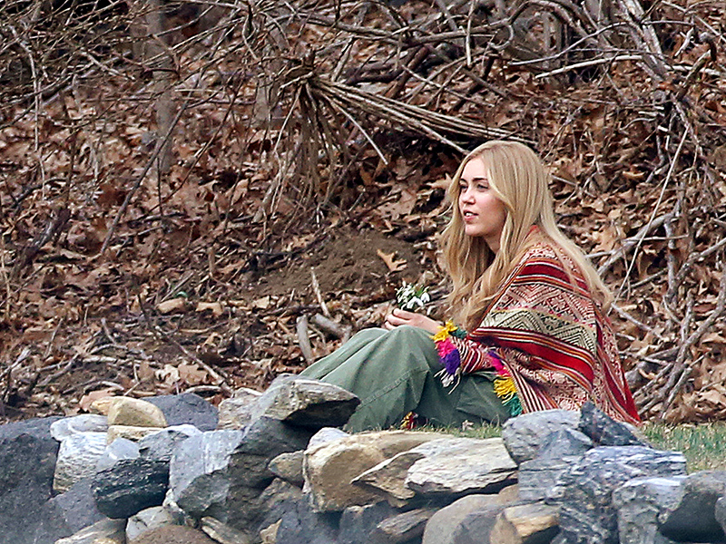 Hannah Montana, Is That You? Miley Cyrus Dons a Long Blonde Wig for Woody Allen's Upcoming TV Series| Amazon, Miley Cyrus, Woody Allen
