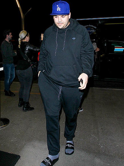 Rob Kardashian Shows Off Weight Loss At LAX with Blac Chyna