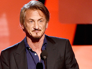 Sean Penn Spotted Kissing a 'Beautiful Young Blonde' on Romantic Date Night in Chicago