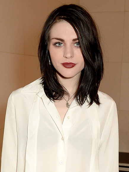 Frances Bean Cobain Files for Divorce from Husband Isaiah Silva, Seeks to Protect $450 Million Fortune| Breakups, Divorced, Music News, Courtney Love, Frances Bean Cobain