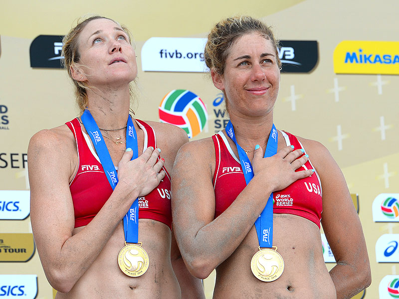 Kerri Walsh Jennings and April Ross Lose in the Semifinal Beach Volleyball Round