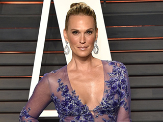 Molly Sims Doesn't Understand the Criticism Towards Ashley Graham and Other Curvy Models: 'We Need to Be More Accepting'