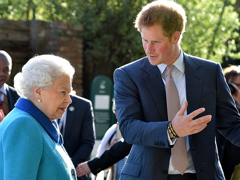 Prince Harry Fears He Can't 'Fulfill Huge Expectation' of Following in Queen Elizabeth's Footsteps| The British Royals, The Royals, Prince Harry, Queen Elizabeth II
