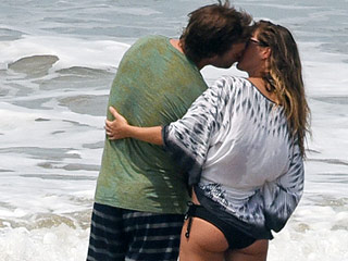 Gisele Bündchen and Tom Brady Wrap Up Romantic Costa Rican Getaway with a Kiss!