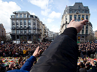 Mourners in Brussels Interrupted by Hundreds of 'Skinheads' Shouting Nationalist Slogans, Making Nazi Salutes: Reports