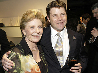 Sean Astin on Mom Patty Duke's Bipolar Disorder: 'We Were All in the Storm Together'