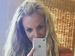 Britney Spears Shows off Her Toned Abs In Sexy Mirror Selfie on Vacation