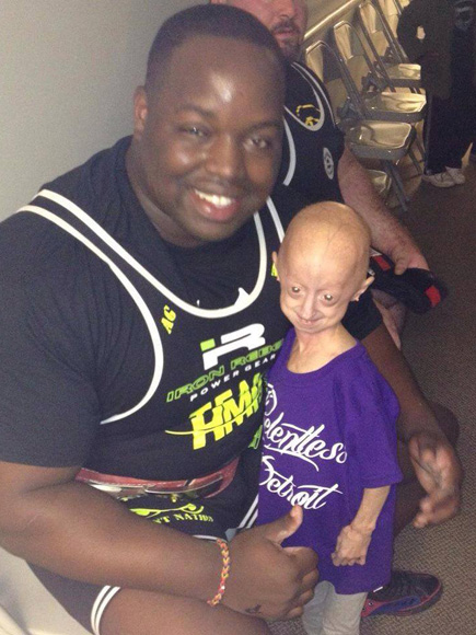 12-Year-Old with Rare Condition That Causes Rapid Aging Bonds With 334-Pound Weightlifter: 'She's Pulled Me Out of Rough Spots'| Real People Stories, The Daily Smile