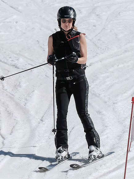 Kate Hudson Joins Up with Sara Foster During Family Ski Trip in Aspen