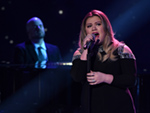 Kelly Clarkson Performs a Powerful Medley of Her Greatest Hits on American Idol Finale
