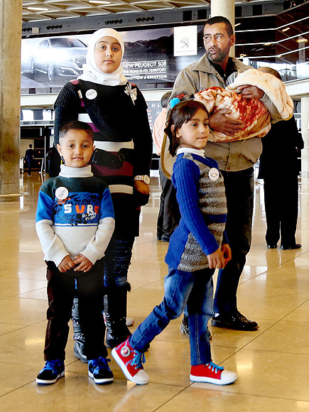 First Syrian Family to Be Resettled in U.S. Start a New Life in Kansas City: 'The American Promise Really Exists for Them'| Around the Web, Real People Stories, The Daily Smile