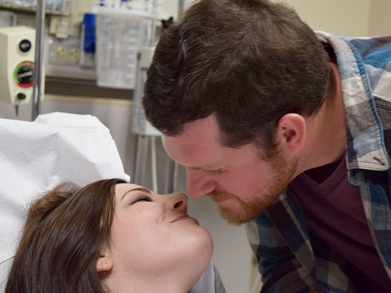 Proposal in the ER! Arkansas Man Asks Girlfriend to Marry Him After Car Crash on the Way to Surprise Engagement| Marriage, Real People Stories, The Daily Smile
