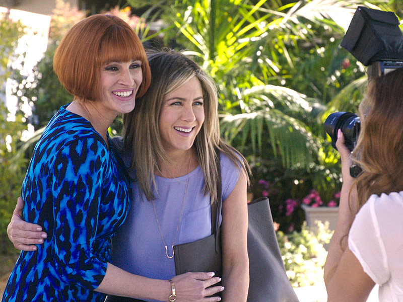 WATCH: A Frazzled Jennifer Aniston Bungles a Job Interview with Julia Roberts in Exclusive Mother's Day Clip| Movie News, Garry Marshall, Jennifer Aniston, Julia Roberts