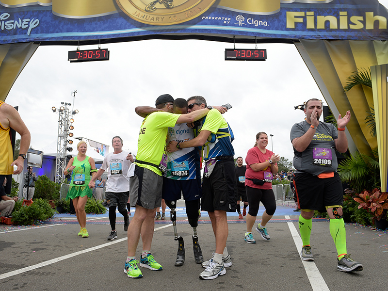 Long-Distance Bond: Corporate CEO Prepares to Shepherd Double-Amputee Veteran Through Their Fifth Marathon Together| Boston Marathon Bombing, Real People Stories, The Daily Smile, Real Heroes