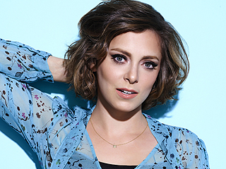 Rachel Bloom Calls Sexist Hollywood Casting 'Offensive as a Woman – but Also Just Offensive as an Actor and as a Person'