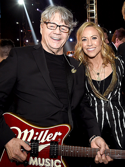 Rock & Roll Hall of Fame 2016 Inductee Steve Miller Asks for More Inclusiveness of Women, Receives Standing Ovation from Sheryl Crow| Rock and Roll Hall of Fame, Sheryl Crow, Steve Miller