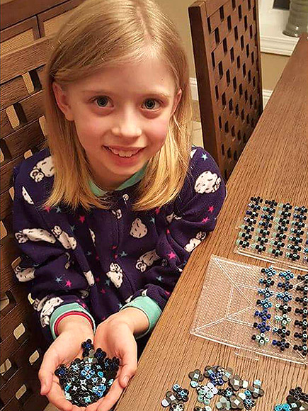 8-Year-Old Girl Makes Beaded Crosses for America's First Responders: 'I Want to Protect Our Police and Firefighters'| Heroes Among Us, Good Deeds, Real People Stories