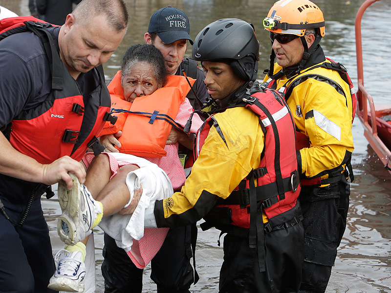 At Least 5 Dead and Thousands Left Without Power as Texas Is Hit with Severe Flooding in the Biggest Storm Since 2001| Natural Disasters, Real People Stories