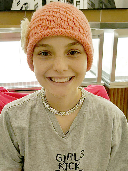 12-Year-Old California Girl with Grim Cancer Diagnosis Faces Life with a Smile, Raising Thousands to Give Other Sick Children Hope| Cancer, Real People Stories