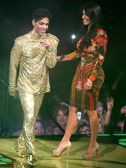 That Time Prince Met Kim Kardashian ... and Kicked Her off Stage| Keeping Up with the Kardashians, Music News, TV News, Kim Kardashian, Prince